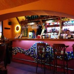 Atmoska pub